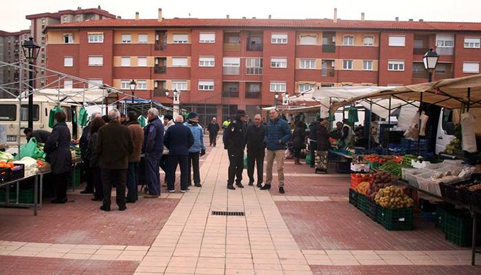 El Ayuntamiento de Tarancón amplía el espacio del mercadillo para adaptarlo a la nueva normativa