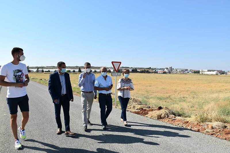 La Diputación de Cuenca invierte más de 52.000 euros en un camino de Motilla para propiciar el crecimiento industrial de la Manchuela
