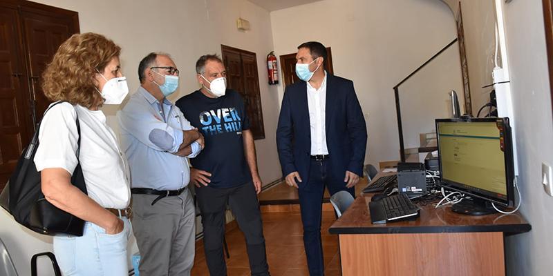 La Diputación  de Cuenca y la Junta invierten 555.000 euros para que 212 pueblos tengan un Punto de Inclusión Digital