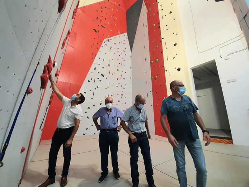 """Martínez Chana destaca que el centro de escalada indoor de Chillarón será un atractivo turístico """"de primer orden"""""""