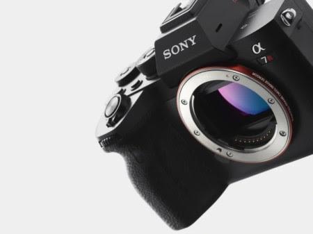 Sony anuncia una nueva solución para realizar videollamadas y streaming en vivo compatible con 35 modelos de cámaras Sony