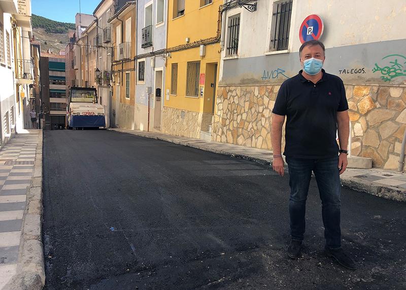 El Ayuntamiento de Cuenca concluye el asfaltado de la calle Antón Martín que estaba pendiente desde 2018