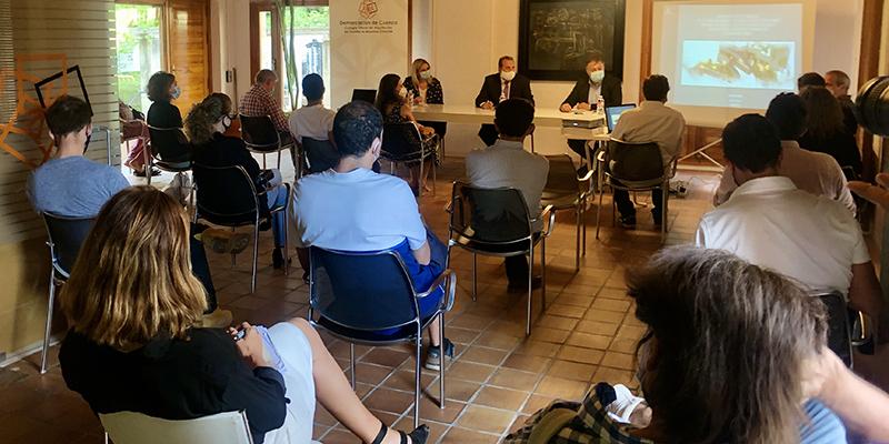 El Ayuntamiento de Cuenca inicia una ronda de reuniones para presentar el estudio de viabilidad de las escaleras mecánicas de San Martín a la ciudadanía