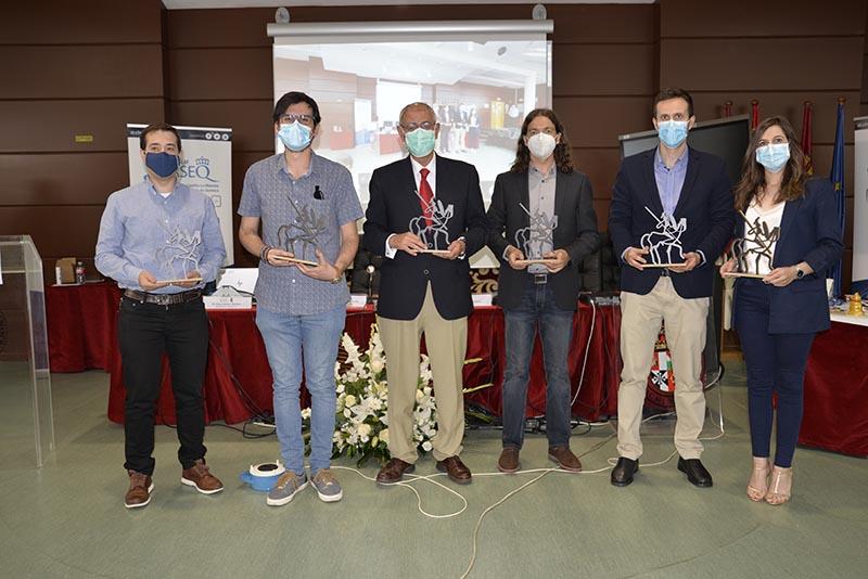 El catedrático de la UCLM Ernesto Martínez, reconocido con el Premio a la Trayectoria Científica que conceden los químicos de Castilla-La Mancha