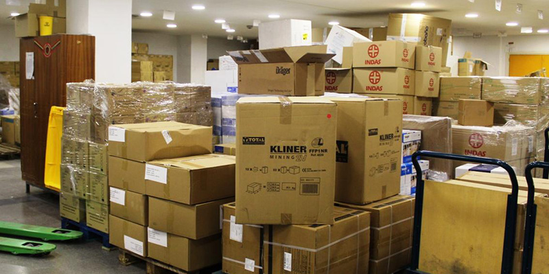 El Gobierno de Castilla-La Mancha ha realizado otro envío de más de medio millón de artículos de protección a los centros sanitarios
