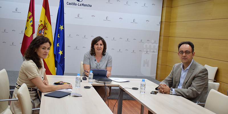 El Gobierno regional y la Inspección de Trabajo llevan a cabo una campaña conjunta de control de la prevención del COVID en centros de trabajo