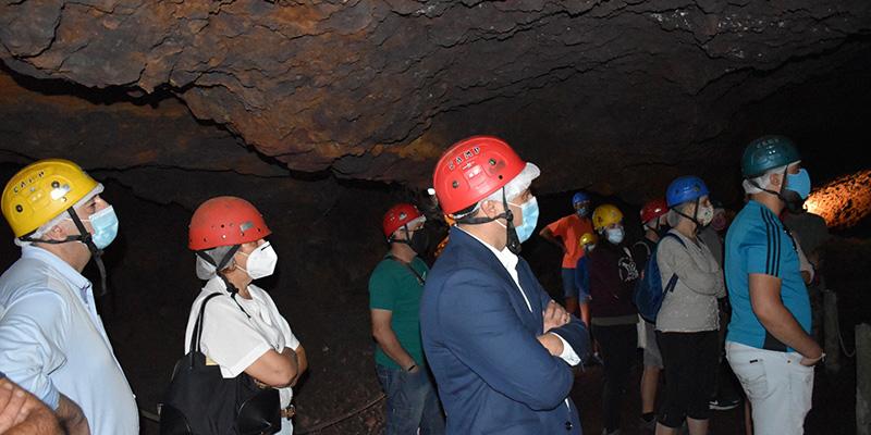 La Diputación de Cuenca colaborará con el Ayuntamiento de Cueva del Hierro para adecuar el entorno de esta mina romana