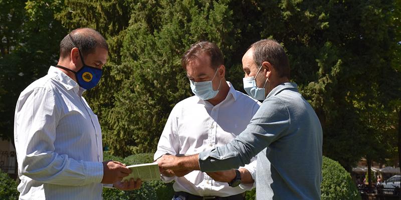 La Diputación y el Ayuntamiento de Cuenca coeditan la guía 'Cuencleta. Naturaleza y patrimonio' desarrollada por Eslabón