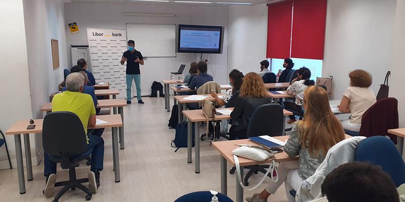 Más de 20 empresarios participaron en Cuenca en la jornada sobre ciberseguridad en mercados nacionales e internacionales