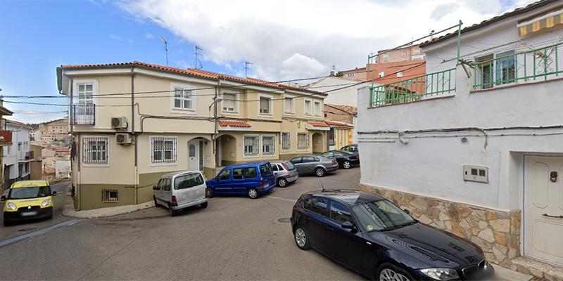Aguas de Cuenca reparará una batería de sumideros de la calle Azafranes y varias tapas de pozos de registro en Puerta de Valencia