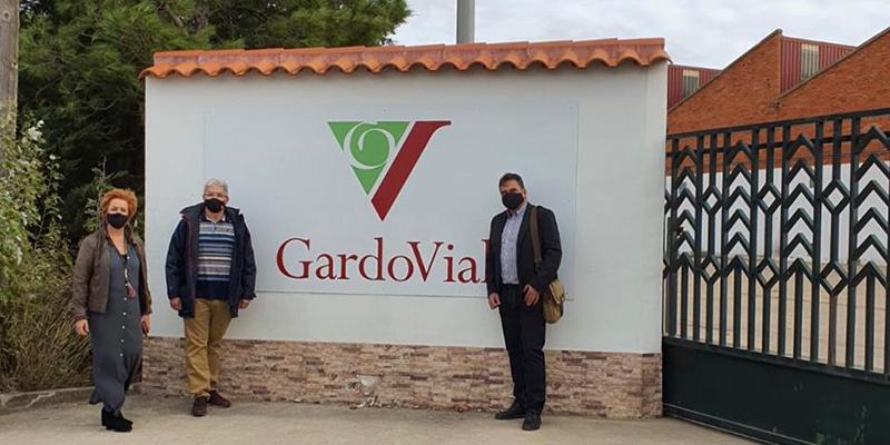 El delegado de Agricultura, Agua y Desarrollo Rural, visita la empresa Gardovial en San Clemente