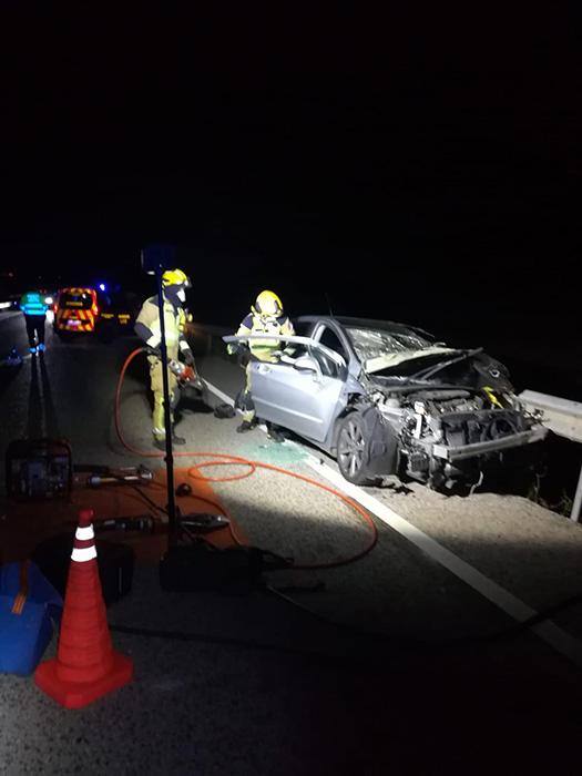 Fallece el conductor de un turismo tras un choque frontal en la CM-220 entre Almodóvar del Pinar y Villar del Saz de Arcas