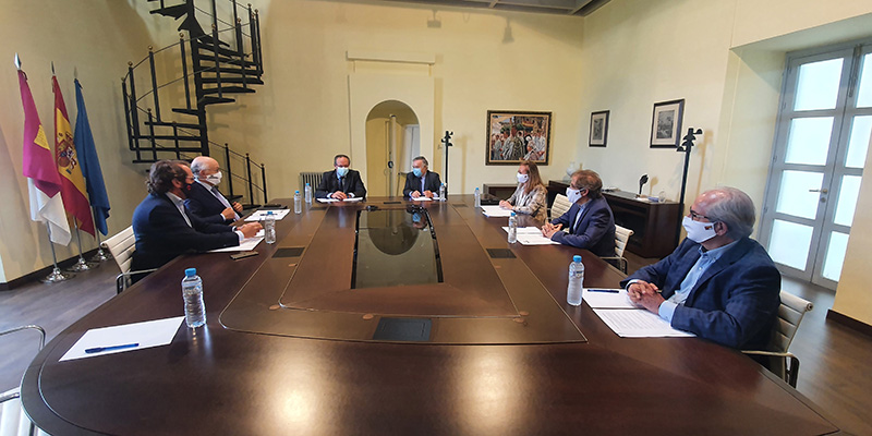 La Junta continuará avanzando en la simplificación administrativa para facilitar la actividad de las empresas castellano-manchegas