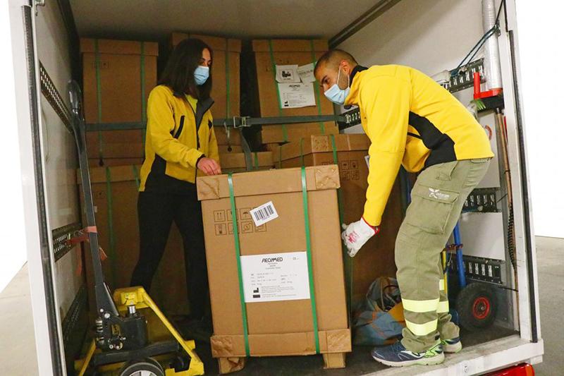 La Junta ha distribuido esta semana cerca de un centenar de equipos de ventilación mecánica en los centros hospitalarios de la región