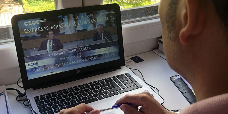 La patronal conquense traslada las ayudas del Gobierno regional para fomentar el trabajo a distancia