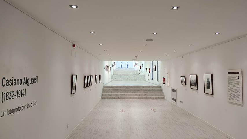 La UCLM descubre en una exposición el trabajo fotográfico de Casiano Alguacil