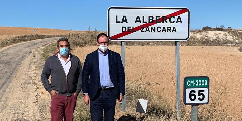 """Prieto insiste en el """"tercermundista"""" estado de la carretera Villaescusa-Alberca y pide a la Junta que la incluya en los presupuestos"""