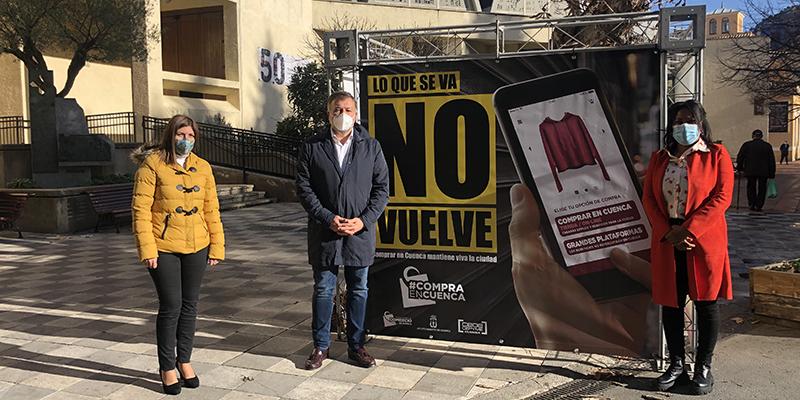 El Ayuntamiento de Cuenca y la Asociación Provincial de Comercio lanzan una campaña para promover la compra en Cuenca con el lema 'Lo que se va no vuelve'