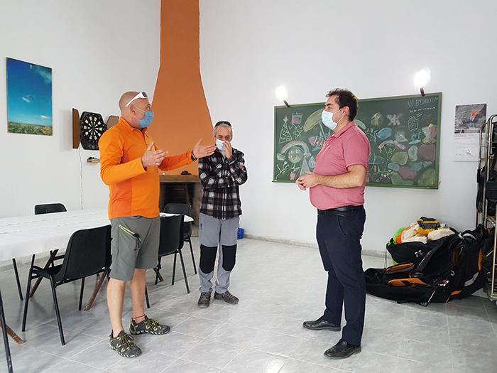 El Ayuntamiento de Huete cede un local al Club Parapente Caracenilla