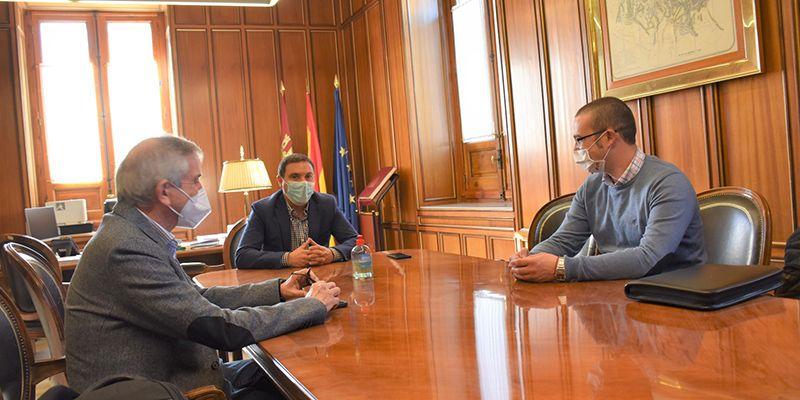 La Diputación de Cuenca colabora con 3.000 euros para que la Gavilla Verde de Santa Cruz de Moya pueda continuar con su labor