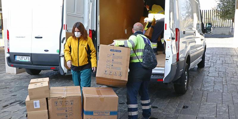 La Junta ha realizado esta semana un nuevo envío a los centros sanitarios con cerca de 672.000 artículos de protección