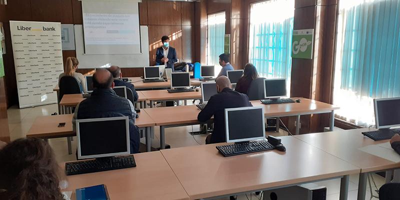 Las empresas de Tarancón muestran su interés en conocer las claves de la ciberseguridad y los mercados