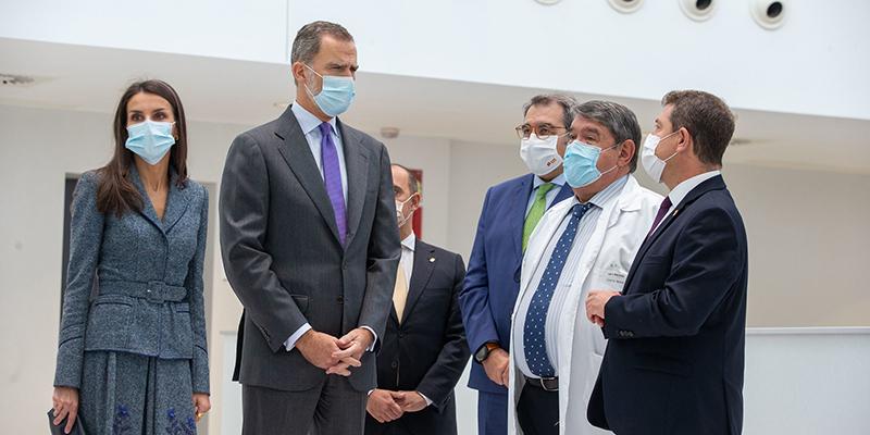 """Page define el sistema sanitario como """"el reflejo del éxito de España como país"""" y resumen de """"los años de Constitución y democracia"""""""