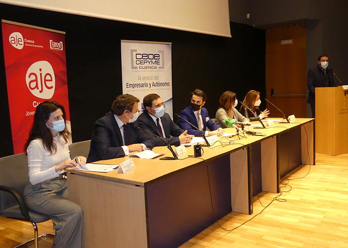 AJE Cuenca inicia las emisiones de su documental 'espíritu aje' en el teatro auditorio