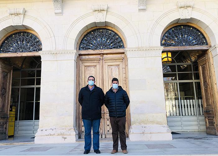 Casas de Benítez insiste a la Diputación en que ejecute el arreglo del Palacio de los Gosálvez y de varias infraestructuras