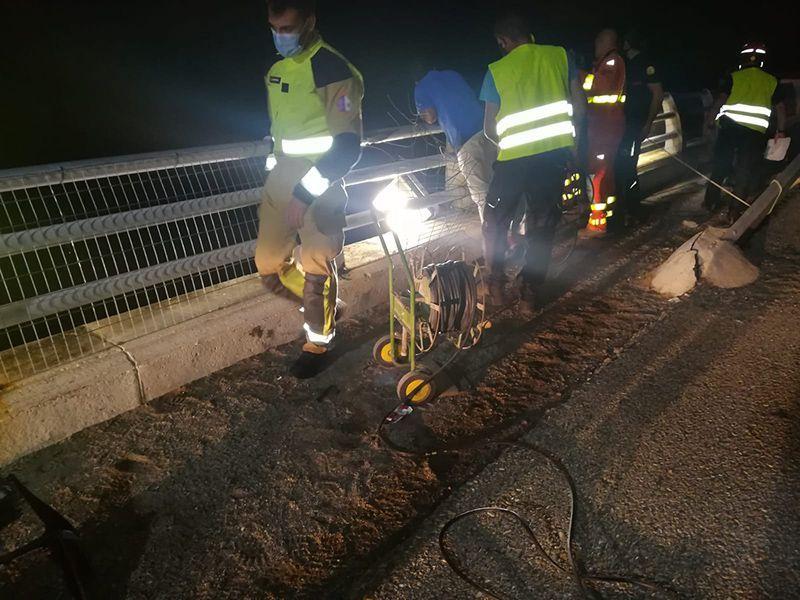 El conductor de la motocicleta donde viaja la joven que falleció al caer al embalse de Contreras, investigado como presunto autor de un delito de homicidio imprudente