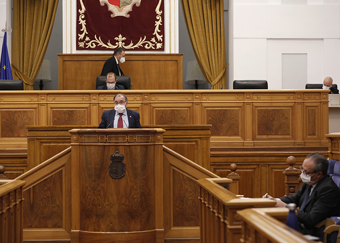 El Parlamento autonómico reclama al Gobierno de España una ley de armonización fiscal