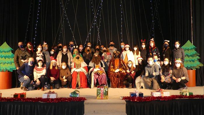 Melchor, Gaspar y Baltasar visitan el CEIP Santa Ana para mantener la ilusión en Navidad