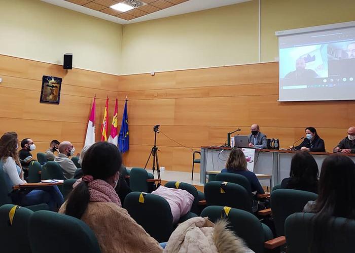Un seminario de la UCLM profundiza en la historia y cultura del azafrán desde el siglo XV