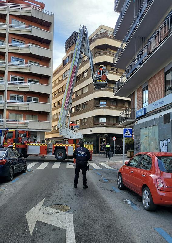 El Ayuntamiento de Cuenca pide extremar la precaución ante el riesgo de desprendimiento de carámbanos de hielo desde tejados y cornisas