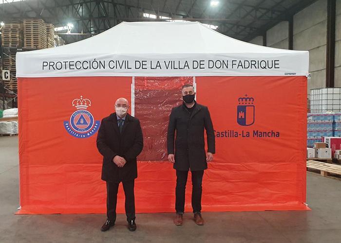 El Gobierno regional distribuye tiendas de campaña para primeros auxilios a 16 agrupaciones de voluntarios de Protección Civil