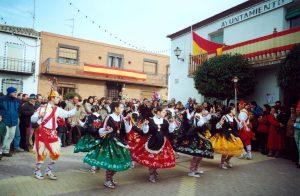 danzantes en la plaza   Informaciones de Cuenca