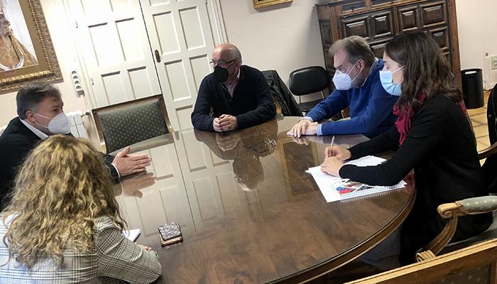 Dolz recibe al nuevo presidente de Cáritas, Pedro Bordallo