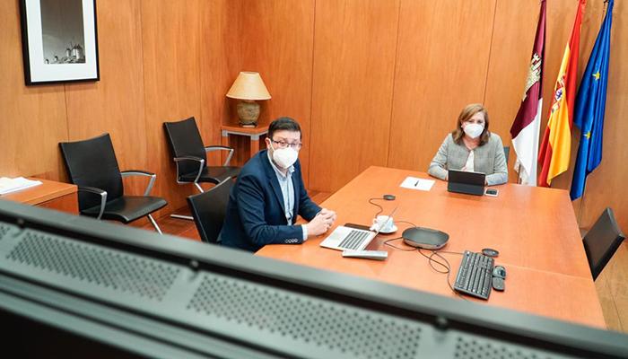 El Gobierno regional constituye un grupo de trabajo para desarrollar el 'Plan de transformación digital de los centros educativos de Castilla-La Mancha'