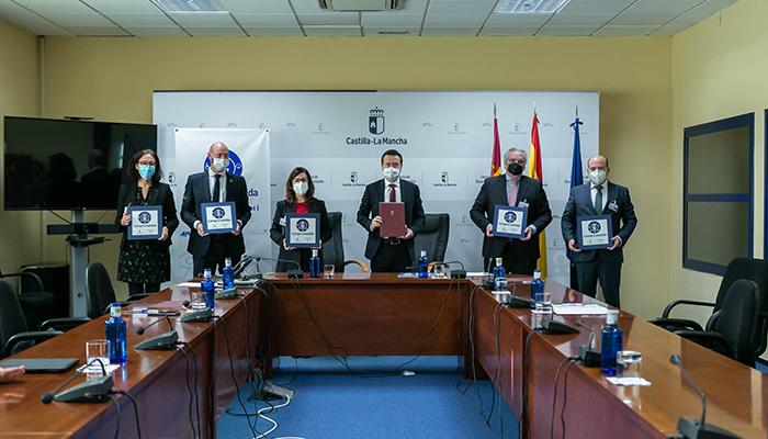 La Junta impulsa el programa pionero de 'Compra Asistida' dirigido a personas consumidoras con discapacidad y mayores en establecimientos de la región
