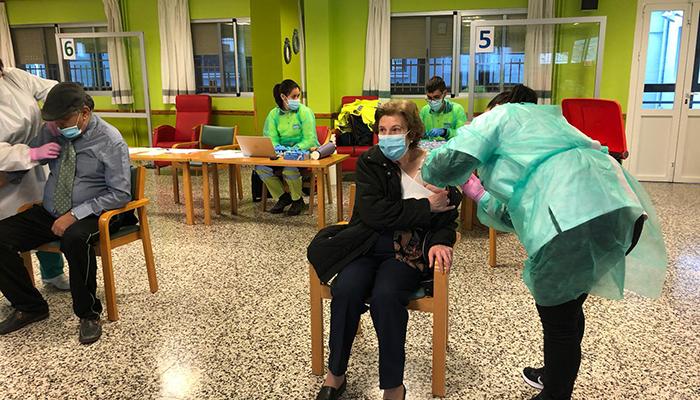 Los residentes y trabajadores de la Residencia Provincial de Cuenca ya están inmunizados frente al coronavirus tras la segunda dosis