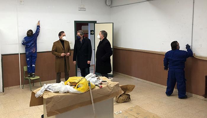 El Ayuntamiento de Cuenca aprueba las bases de convocatoria del proyecto Recual para operaciones de mantenimiento en los colegios de la capital