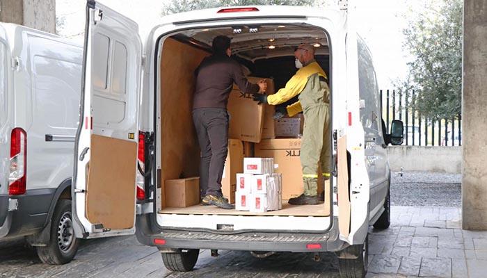 El Gobierno de Castilla-La Mancha ha distribuido esta semana cerca de 670.000 artículos de protección para profesionales sanitarios