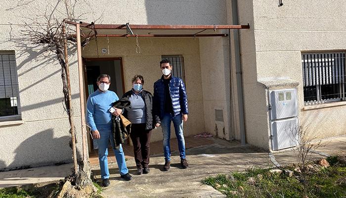 El Gobierno regional entrega una vivienda de protección oficial en Cervera del Llano