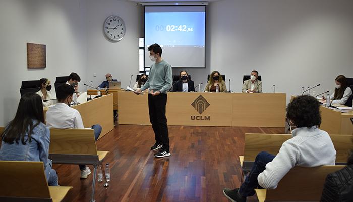 El IES Julián Zarco, de Mota del Cuervo, ganador de la IV Olimpiada de Debate Jurídico Empresarial de la UCLM