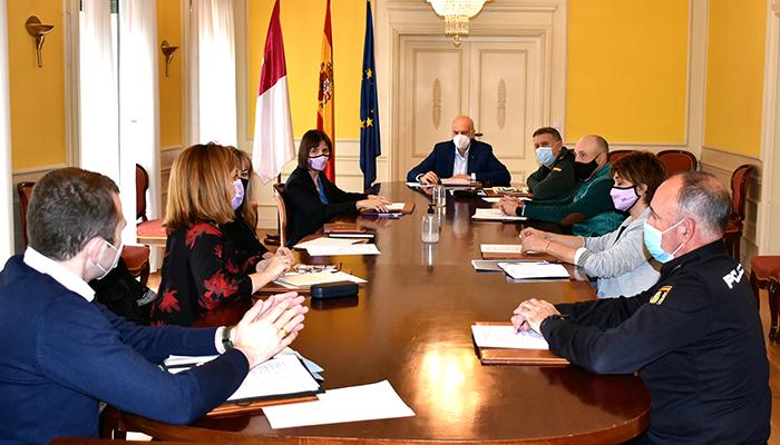 El subdelegado del Gobierno en Cuenca preside la primera reunión de coordinación interinstitucional para el tratamiento de víctimas de violencia de género