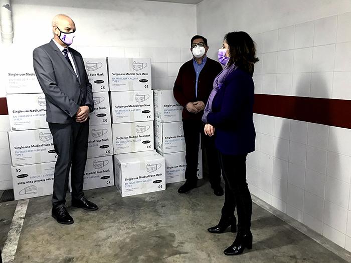 La Subdelegación del Gobierno en Cuenca ha iniciado el reparto de 46.000 mascarillas quirúrgicas para distribuir entre entidades locales y entidades sociales