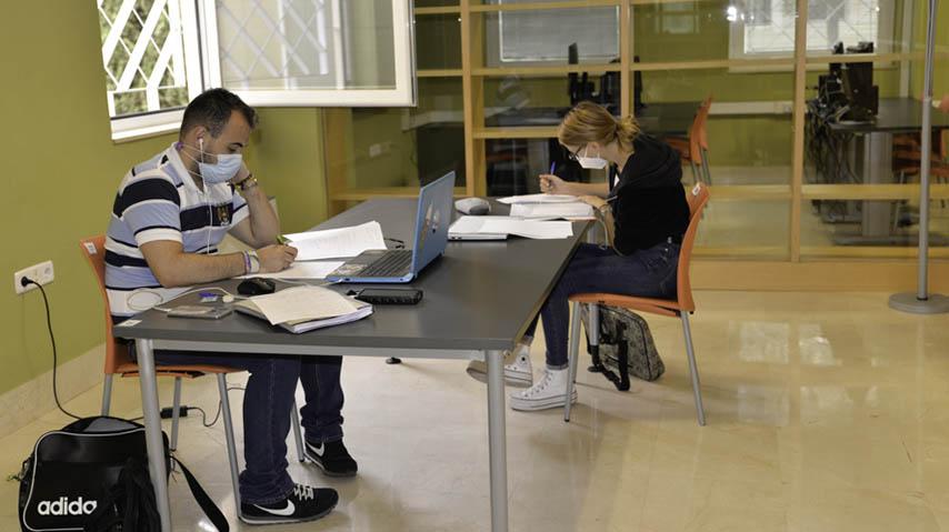 La UCLM concede 233 ayudas a estudiantes en situaciones de dificultad económica