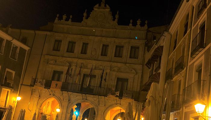 Las Hoces, las Casas Colgadas, Mangana y el Ayuntamiento de Cuenca se quedan sin luz durante una hora por La Hora del Planeta