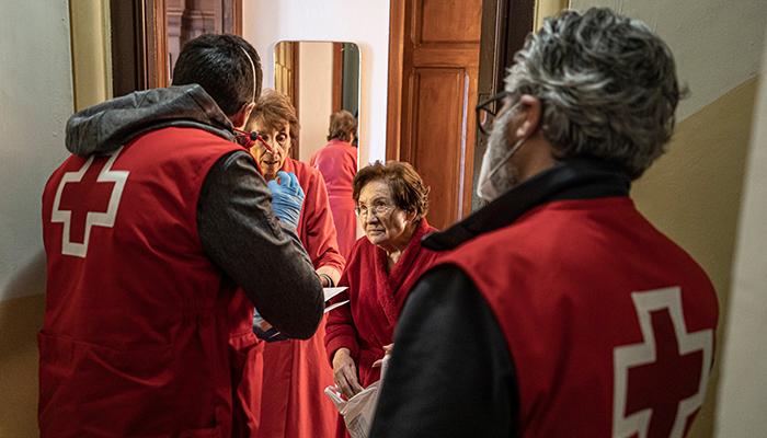 Cruz Roja centra en el voluntariado el reconocimiento que este año concede en su Día Mundial