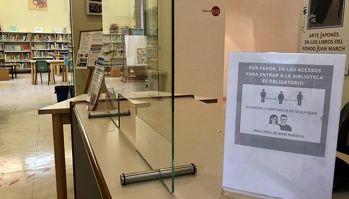 Cuenca celebra el Día del Libro con la lectura del manifiesto por parte del alcalde, un encuentro con la autora Cristina Falcón y un cuentacuentos